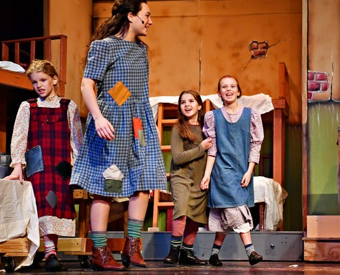3 Generations Dog Perform In Annie