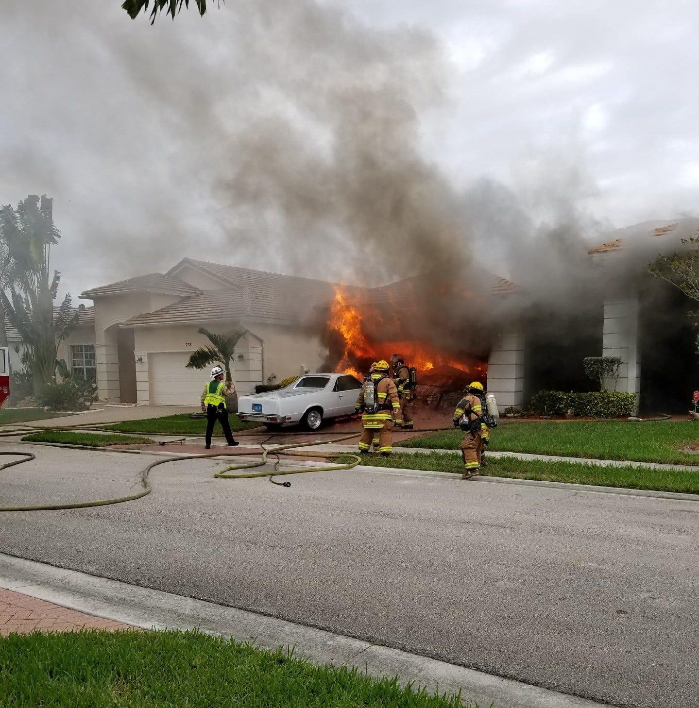 Port St. Lucie home fire destroys house, leaves 2 with minor injuries