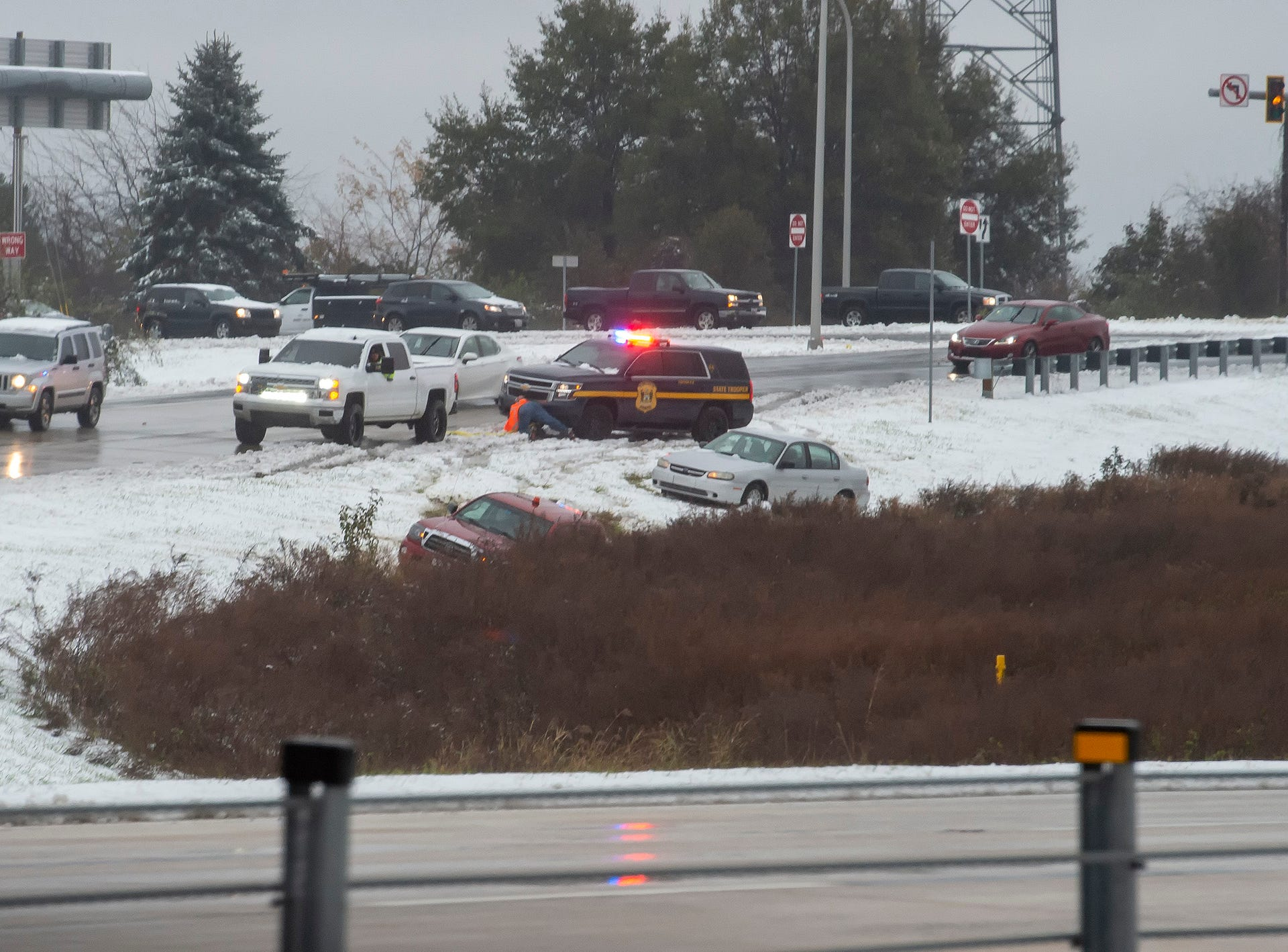 Vehicles off the road along the on ramp to Delaware Route 1 in Bear.