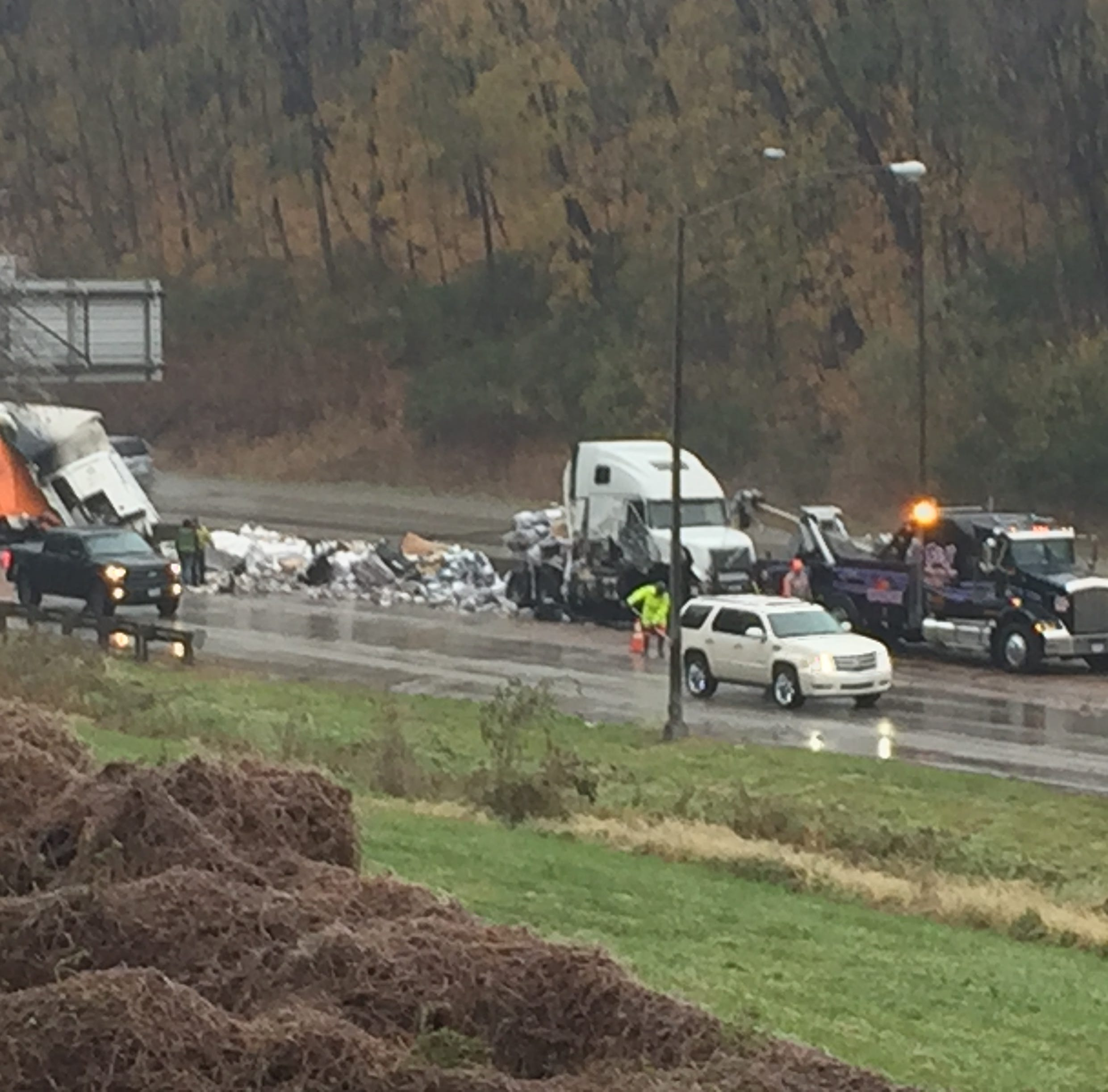 One lane of I-70 reopened following fatal accident