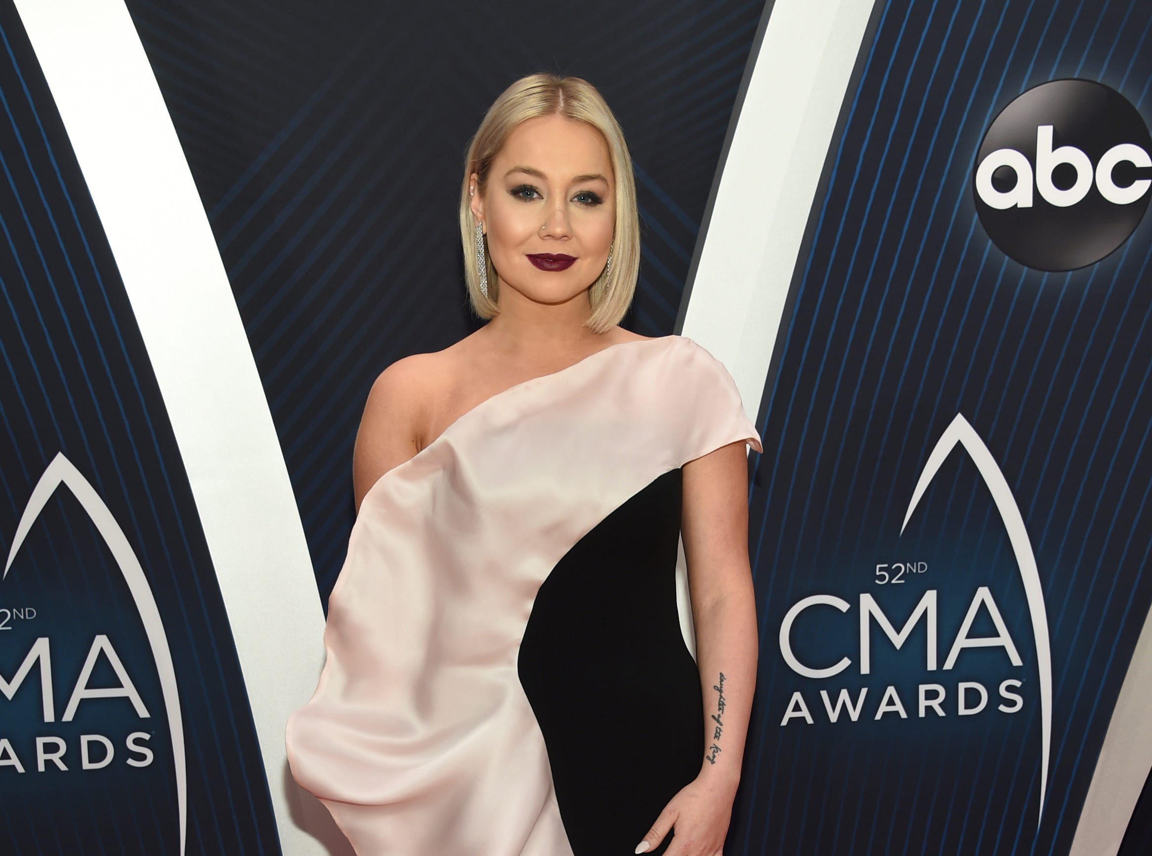 CMAs worst dressed list: RaeLynn, Jimmie Allen and more