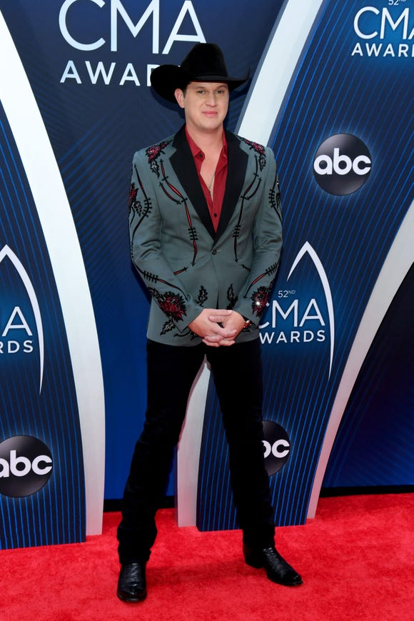 Jon Pardi attends the 52nd annual CMA Awards at the Bridgestone Arena on November 14, 2018 in Nashville, Tennessee.