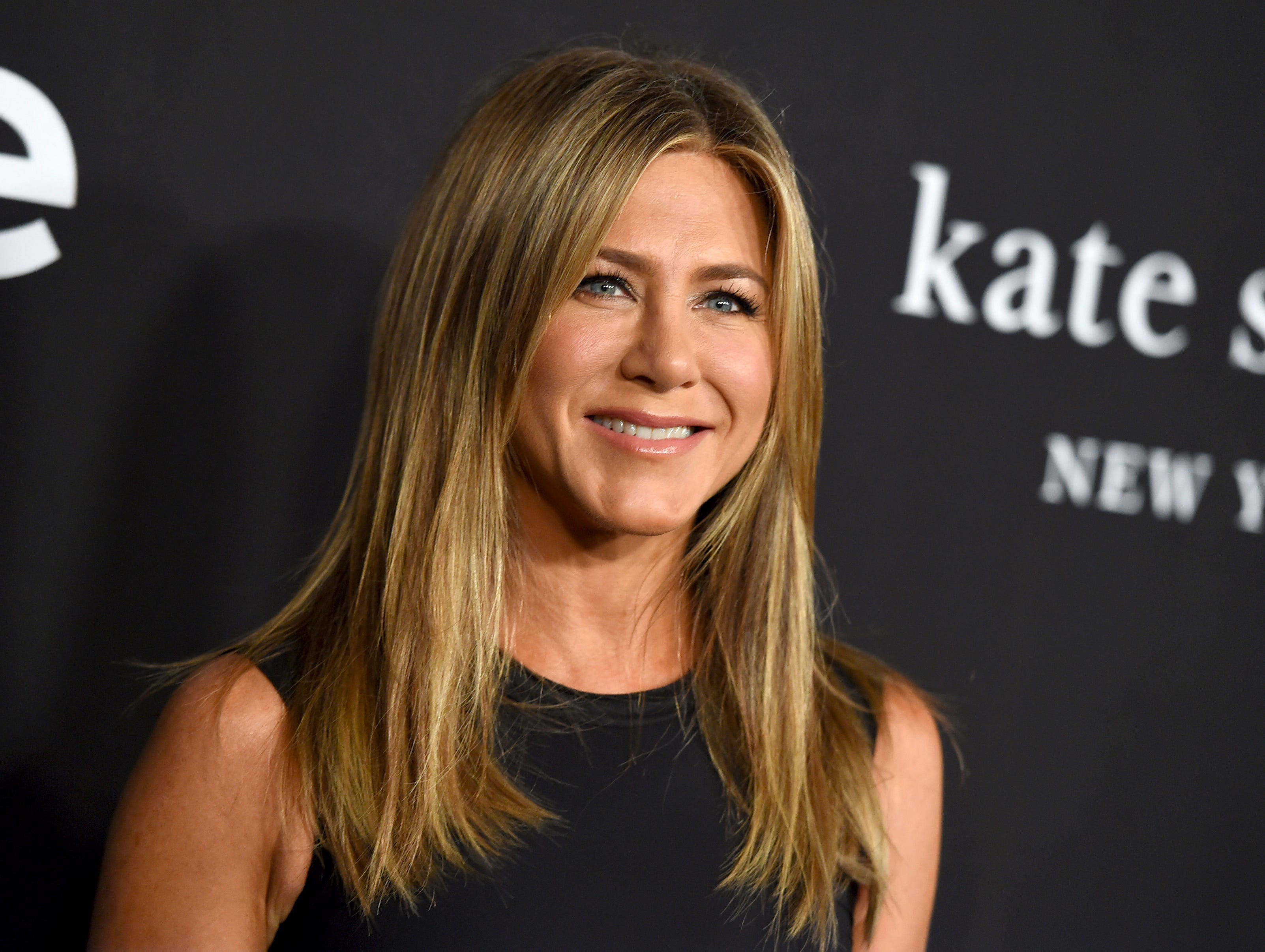 Hear Jennifer Aniston's Southern accent as a former pageant queen in Netflix's 'Dumplin''