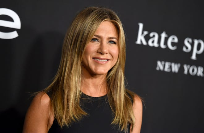 """Jennifer Aniston's hair is much bigger than this in the trailer for Netflix's """"Dumplin'."""""""