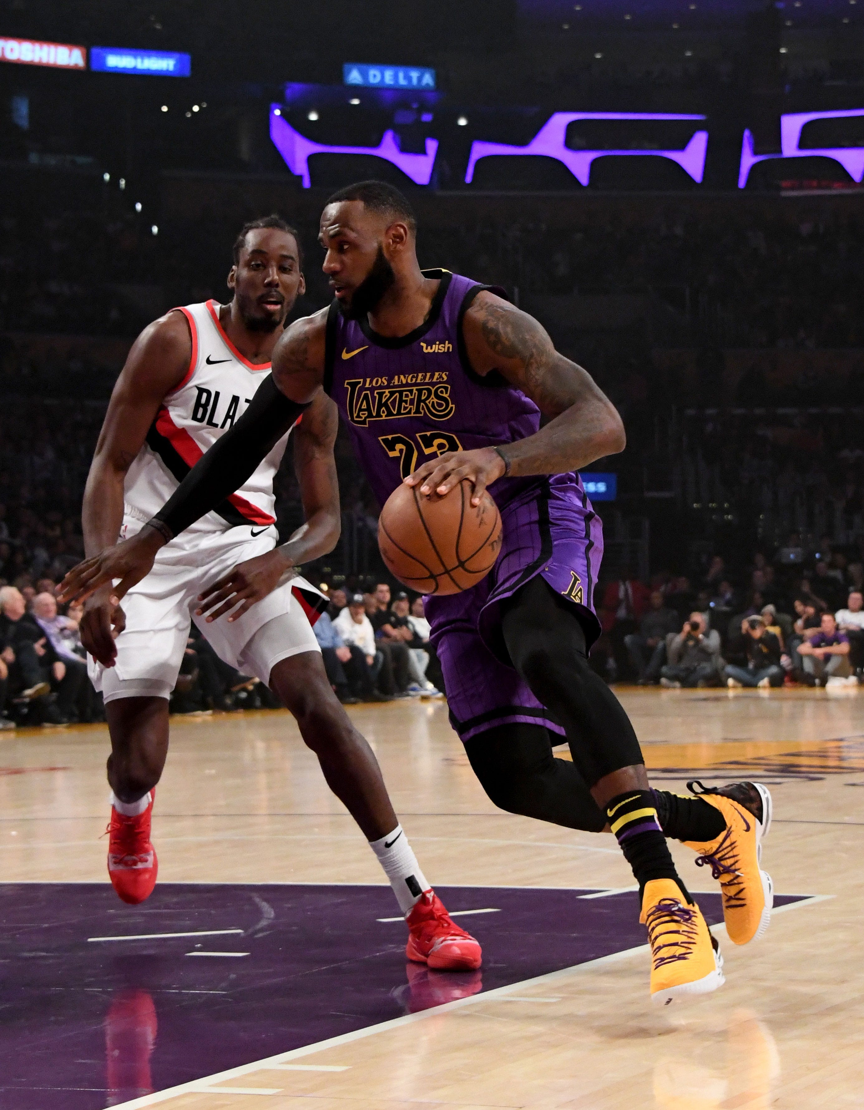 2a576a97198 LeBron James moved past Wilt Chamberlain on the NBA s all-time scoring list  Wednesday night — and he did it in spectacular fashion.