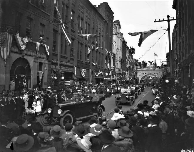 30th Division Reunion Parade on Patton Avenue, 1920.