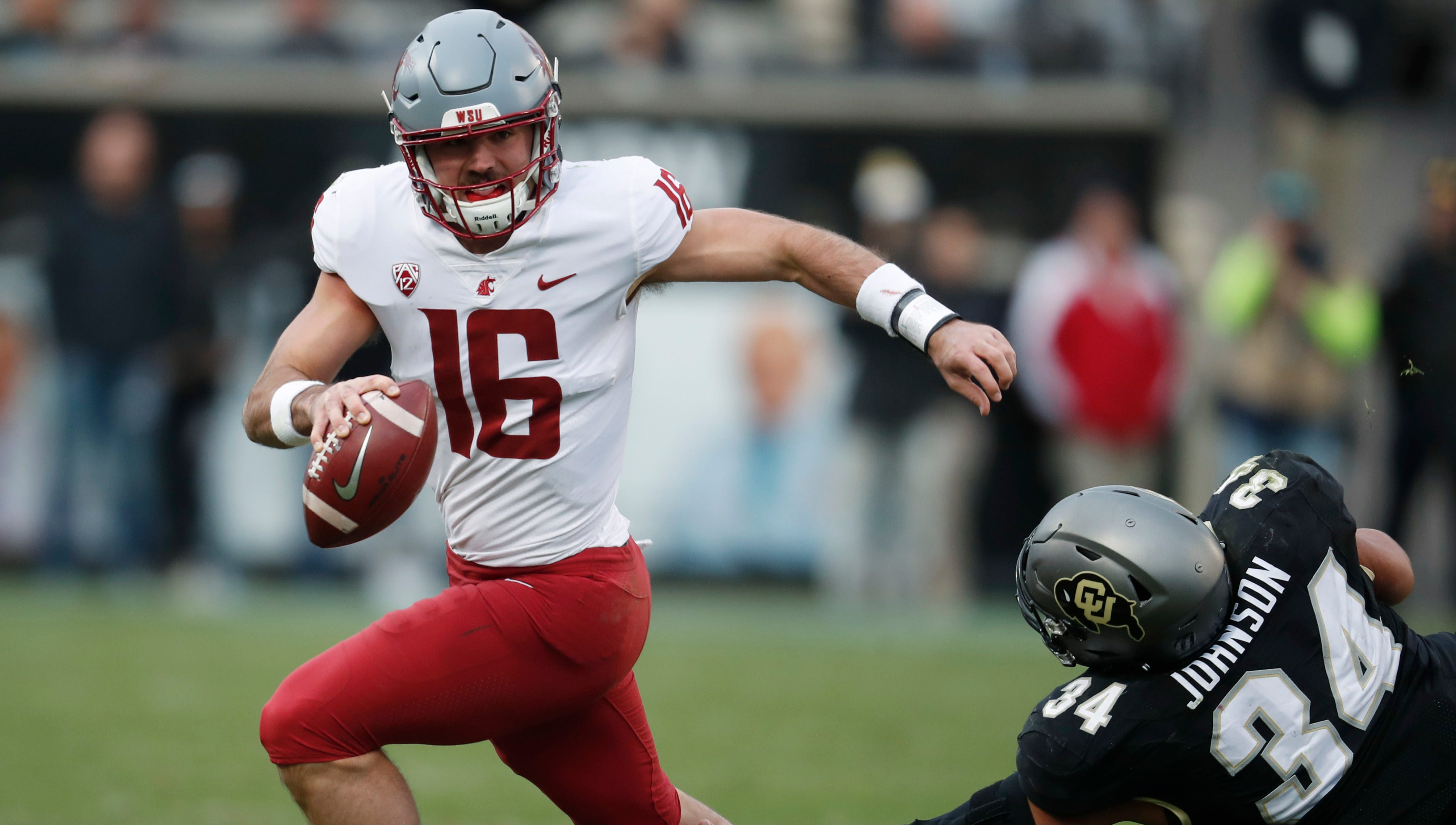 Washington State quarterback Gardner Minshew leads the nation's best passing attack, with 392 yards per game.
