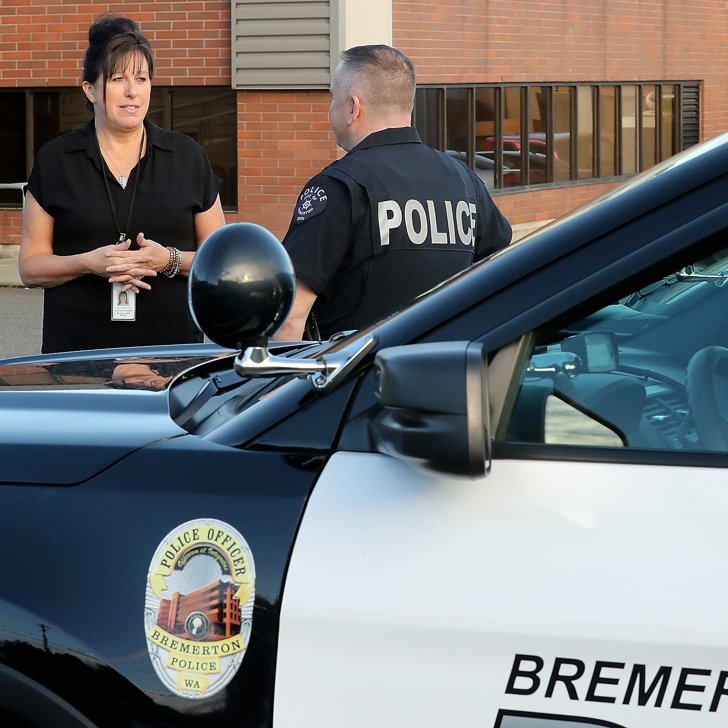 Behavioral health navigators step in where police step out