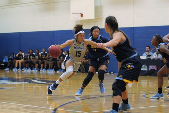 Montreat College senior Arianna Williams drives to the basket against Point University in an 88-81 win in triple overtime on Nov. 14.