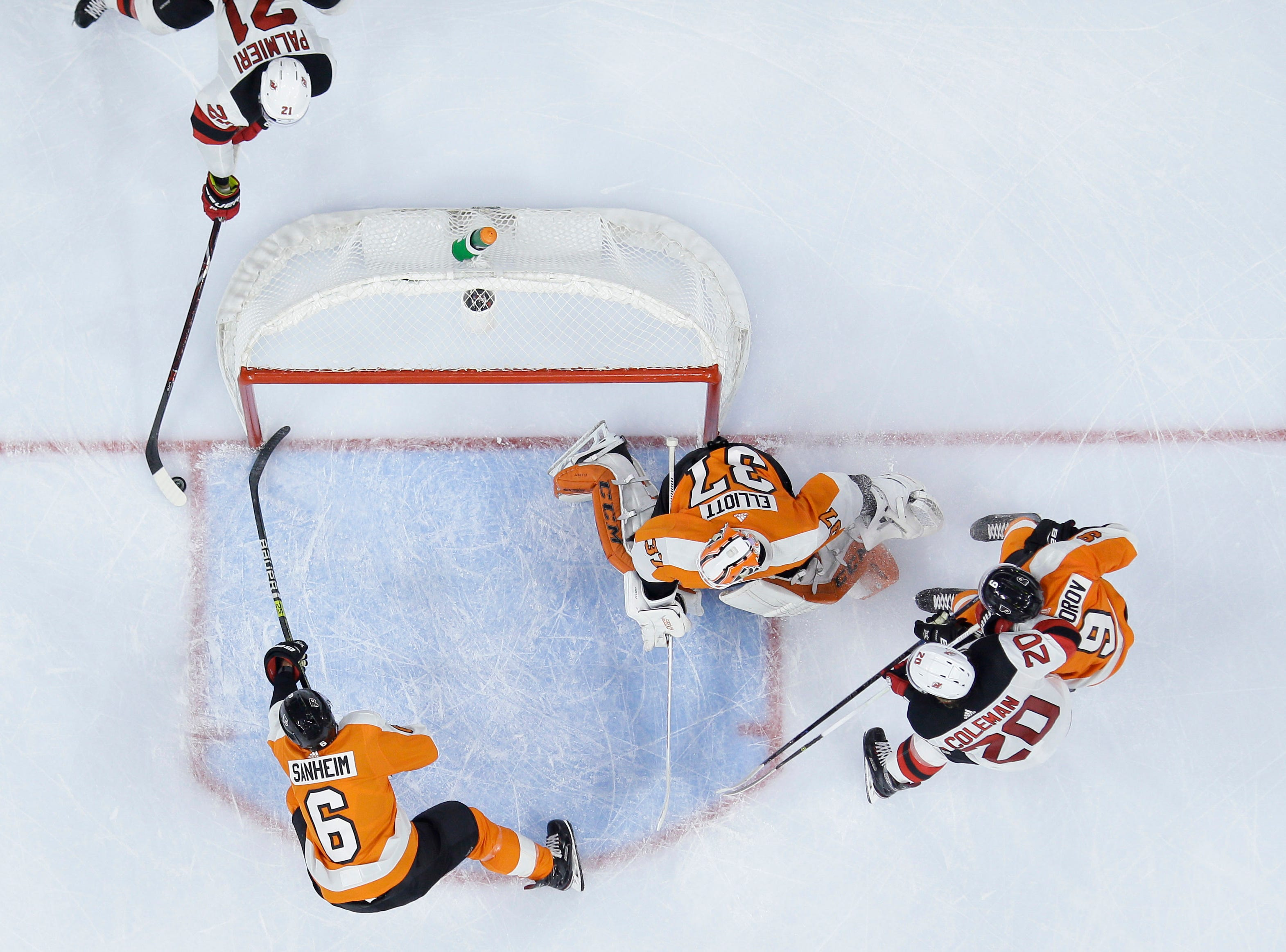 Flyers 5 takeaways: Brian Elliott's injury even worse news than a loss