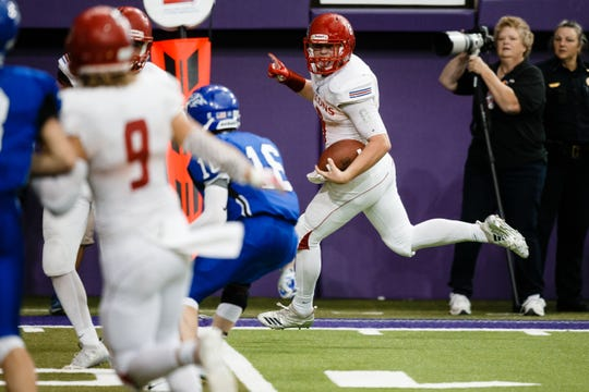 West Sioux, Hawarden's Hunter Dekkers (8) is one of Iowa State's biggest 2020 recruits.