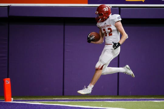 West Sioux, Hawarden's Kade Lynott (32) catches a pass for a touchdown to take the lead 44-38 during their class 1A state championship football game on Friday, Nov. 16, 2018, in Cedar Falls. West Sioux, Hawarden would go on to beat Dike-New Hartford 52-38.