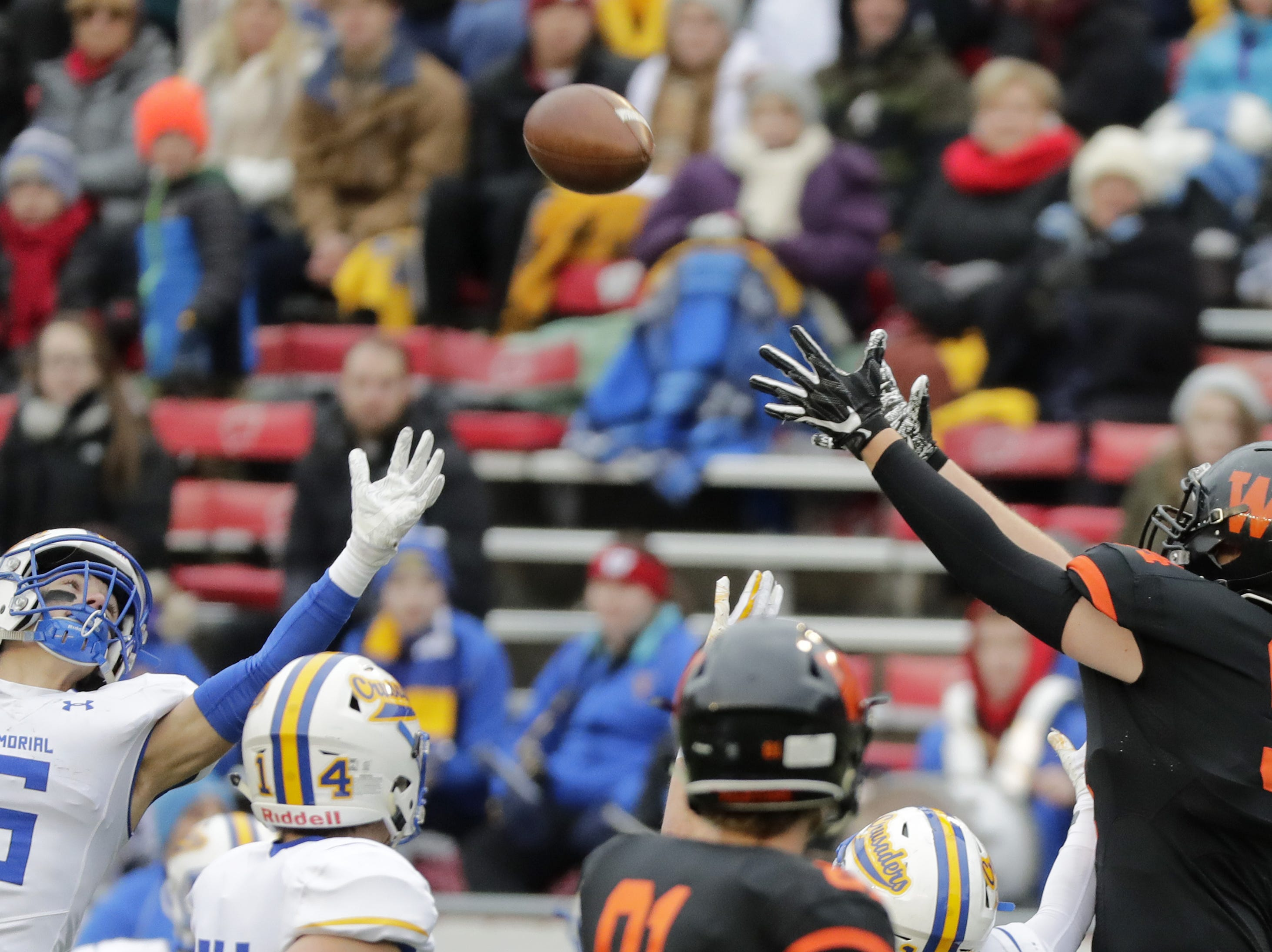 West De Pere's Billy Wyatt (94) catches a pass against Catholic Memorial in the WIAA Division 3 championship game at Camp Randall Stadium on Friday, November 16, 2018 in Madison, Wis.