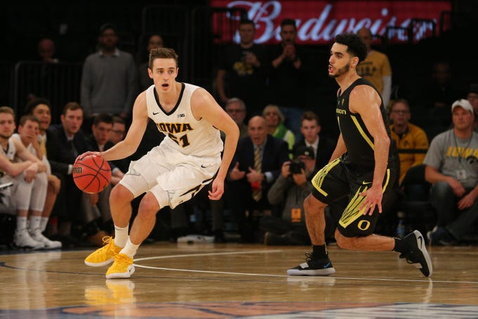 Hawkeyes basketball: Iowa tops No. 13 Oregon