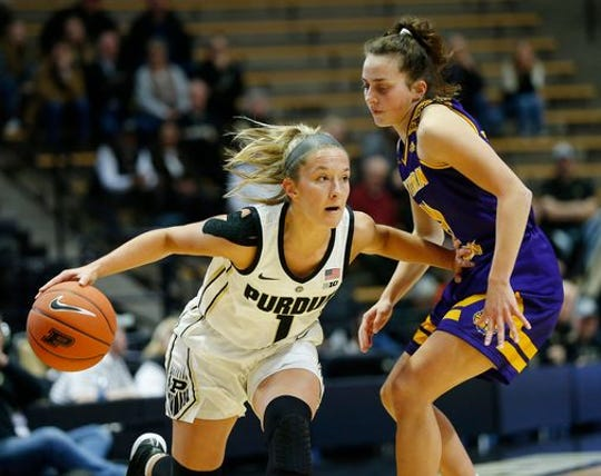 FILE -- Karissa McLaughlin, shown playing Western Illinois, hit the winner on the way to 28 points against Northwestern.