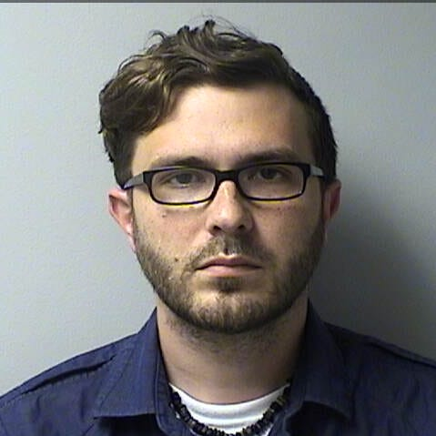 Aurora Health Care employee in Muskego charged with stealing $25,000 of medicine to treat his opiate addiction