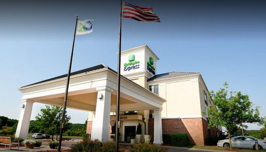 Holiday Inn Express in Delafield