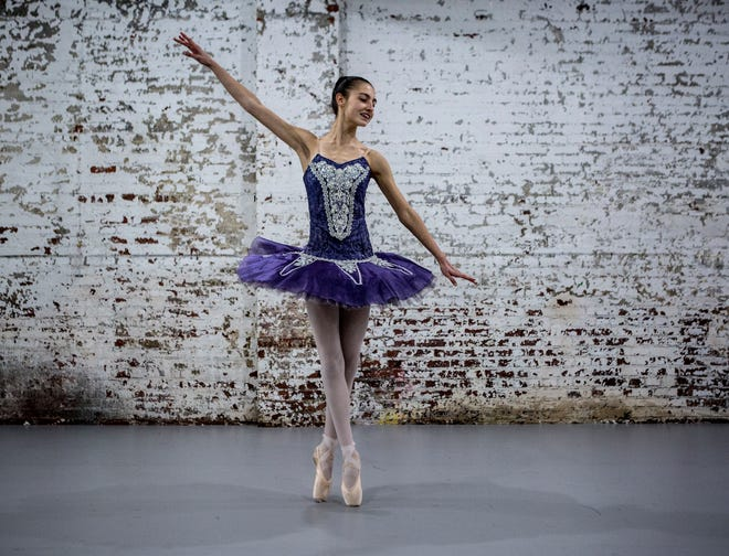 Samantha Short of Pataskala will be performing the role of the Sugar Plum Fairy in the Youth Ballet's production of the Nutcracker. The ballet can be seen at the Midland theater in Newark Thanksgiving Weekend. Tickets are still available.