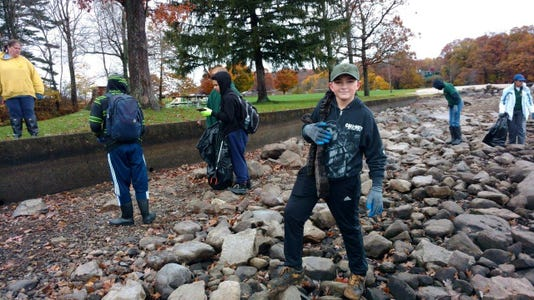 Boy Scouts From Troop 91 151 From Stanhope And Byram Pull Garbage And Debris Form The Shores At Hopatcong State Park During The Lake Wide Cleanup