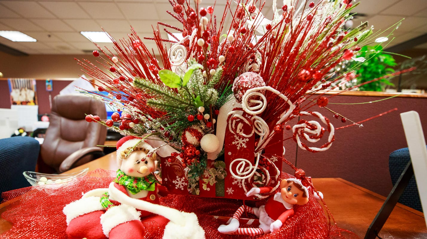 Community bids on Christmas trees, decorations in holiday fundraiser