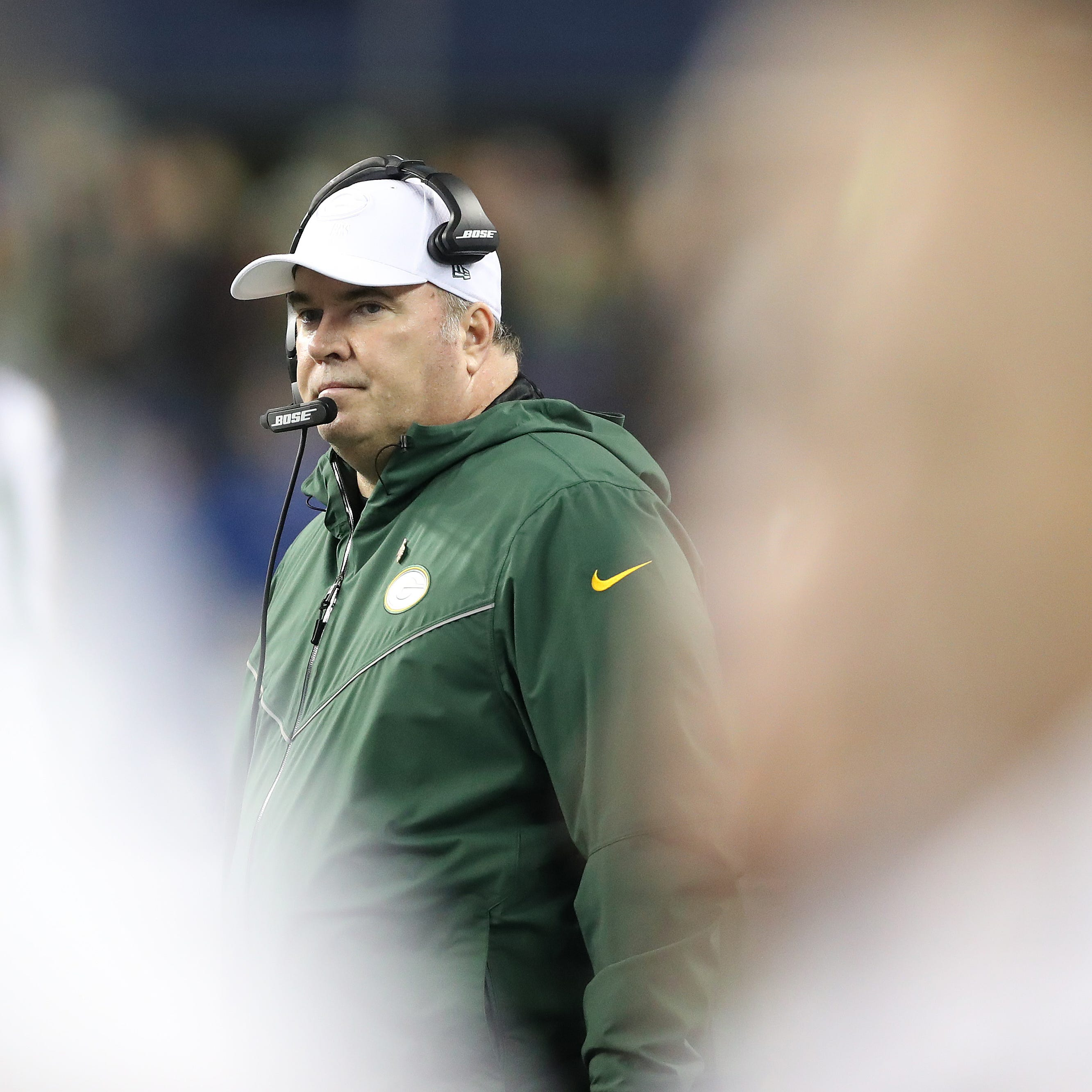 Packers coach Mike McCarthy downplays questions about job security