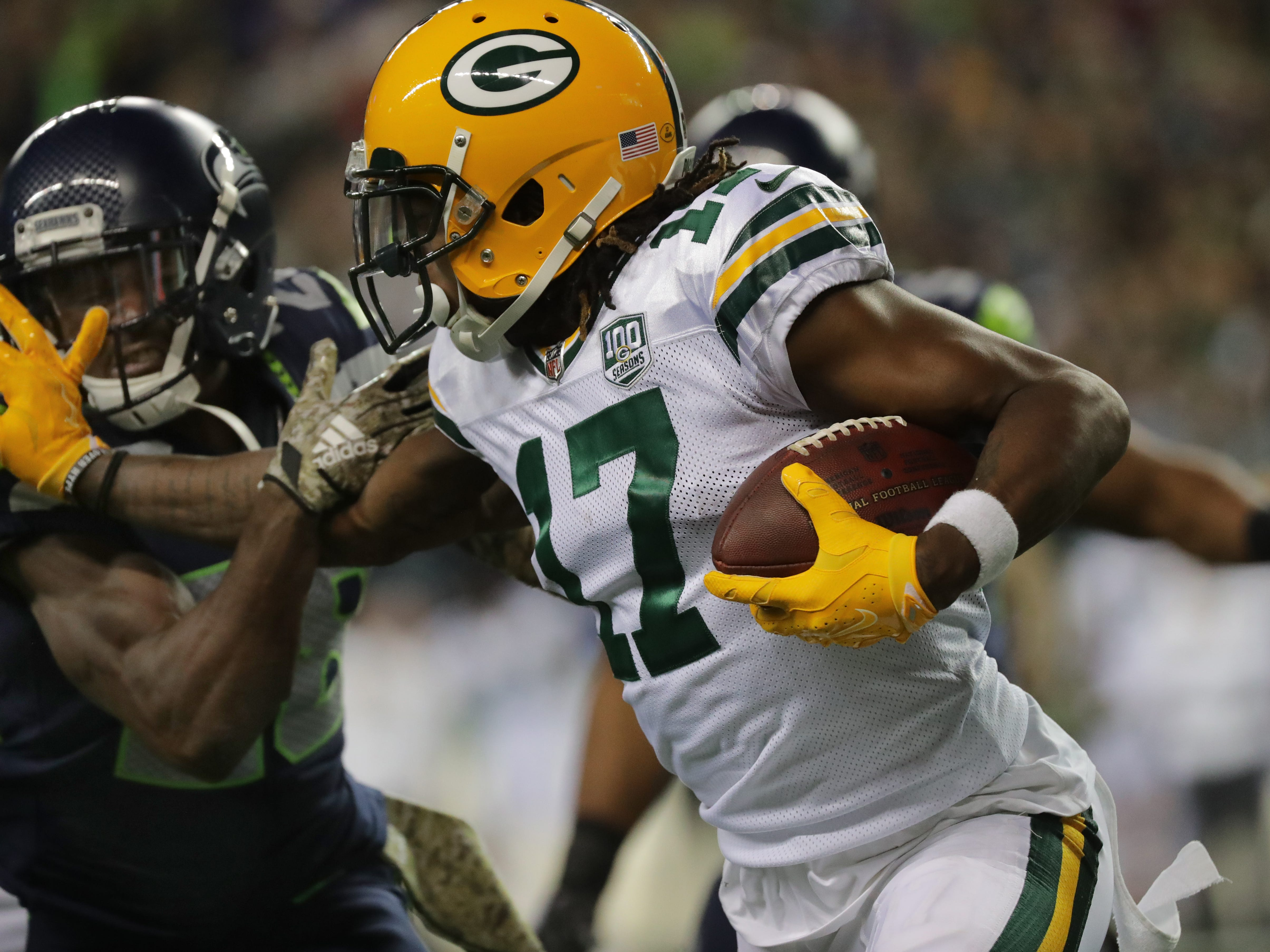 Green Bay Packers wide receiver Davante Adams (17) makes an 11-yard reception during the second quarter of their game against the Seattle Seahawks Thursday, November 25, 2018 at CenturyLink Field in Seattle, Wash.  MARK HOFFMAN/MHOFFMAN@JOURNALSENTINEL.COM