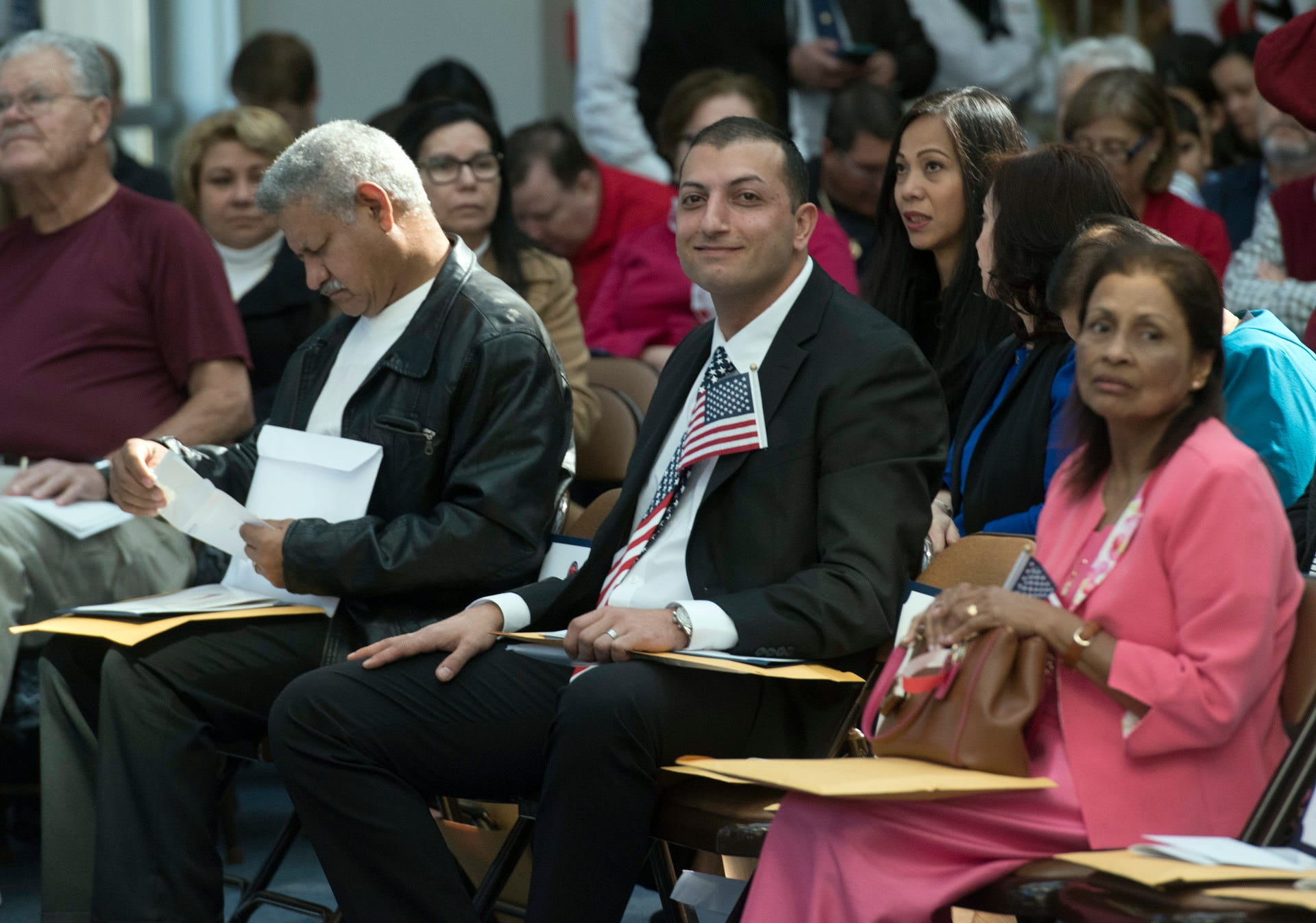 New citizens welcomed at Pensacola naturalization ceremony
