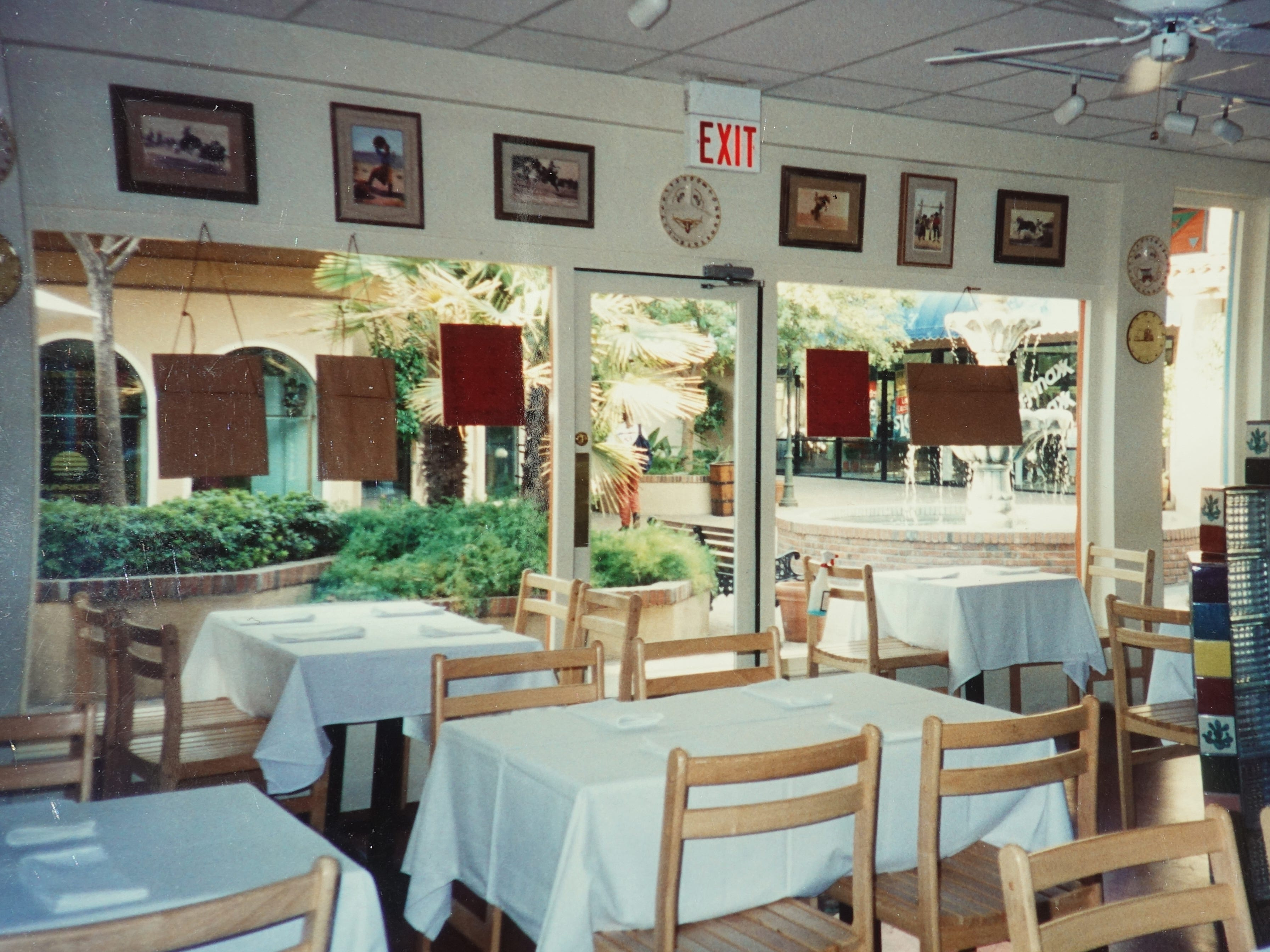 The interior of Rancho Pinot Grill at its original location at Town & Country in Phoenix, AZ.