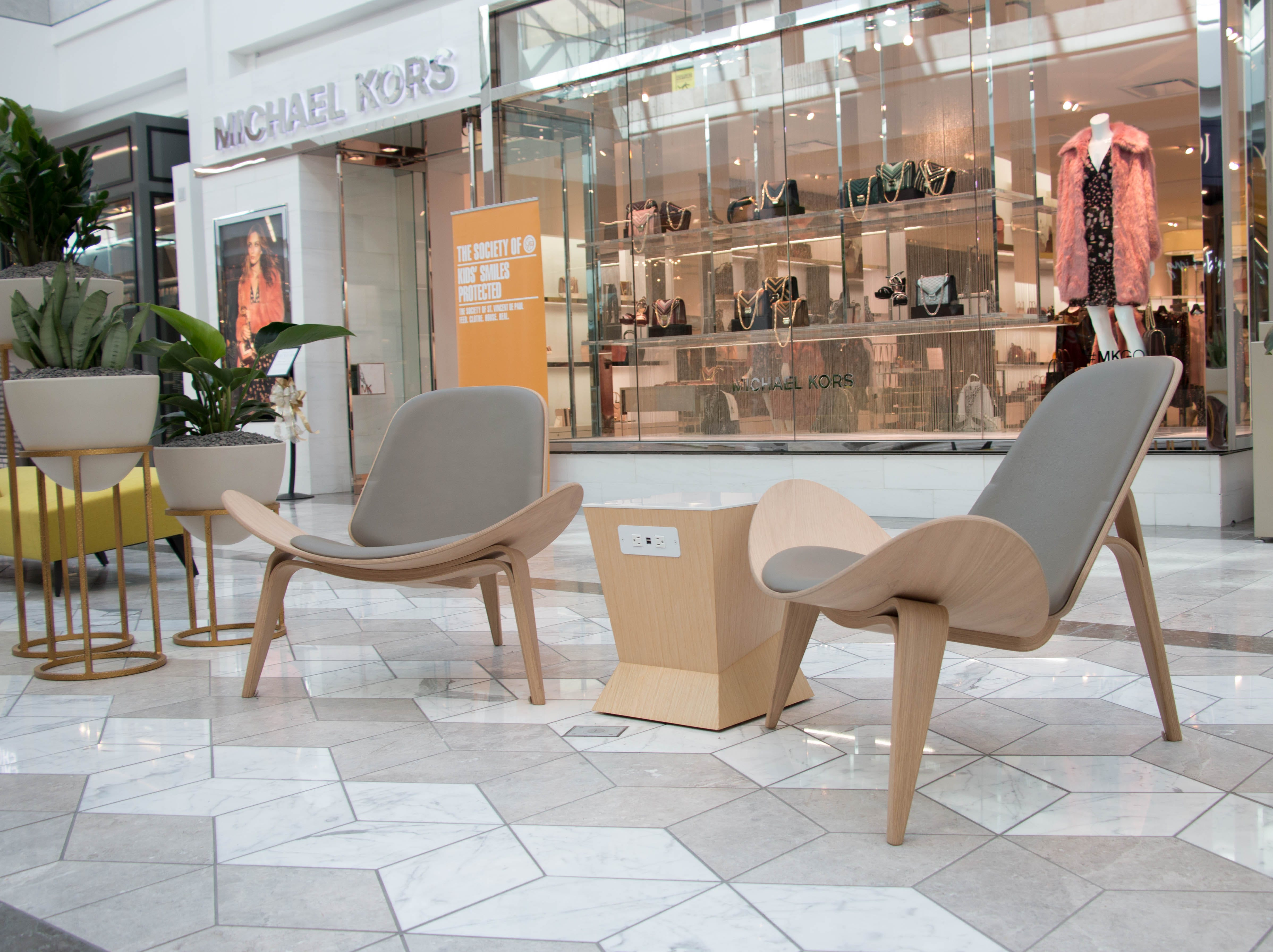 Upgrades to Scottsdale Fashion Square include a number of seating areas with power outlets.