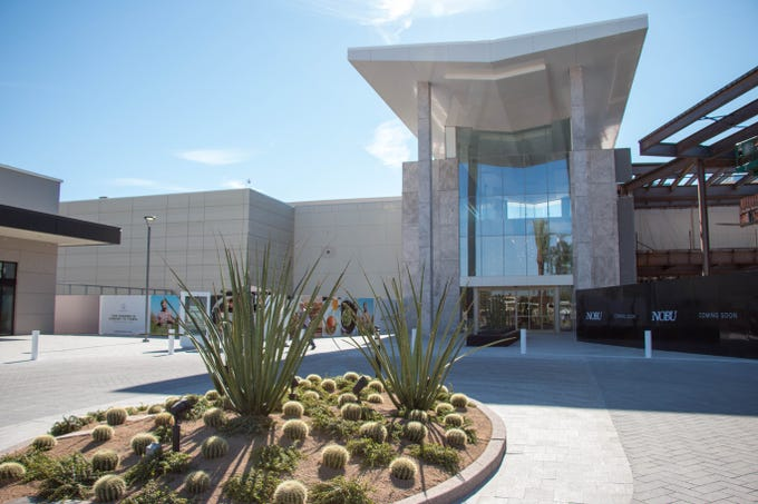 Scottsdale Fashion Square recently opened another main entrance for its luxury wing on the west side of the mall, next to Dillard's.