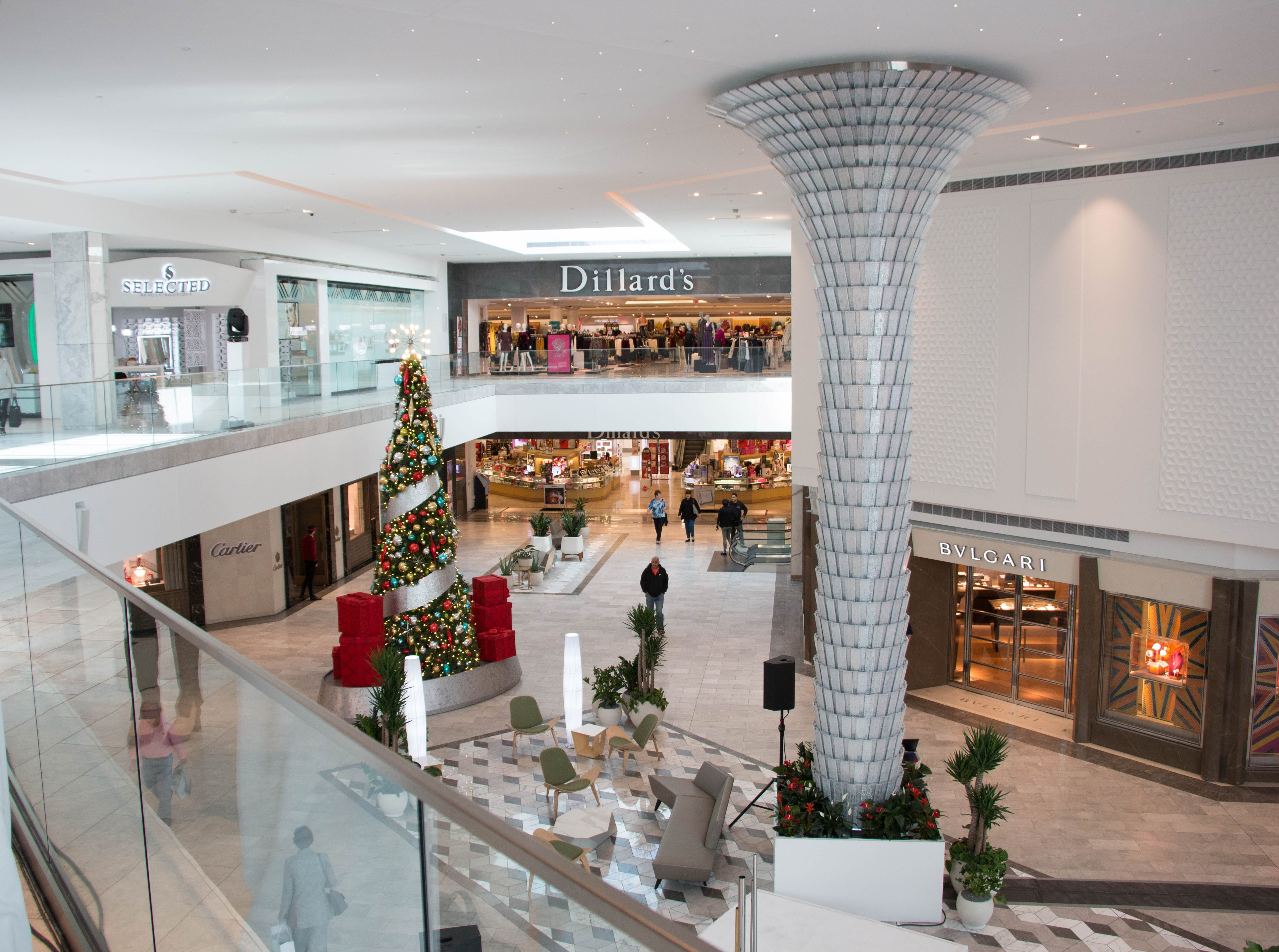 The Scottsdale Fashion Square luxury wing features a crystal chandelier.