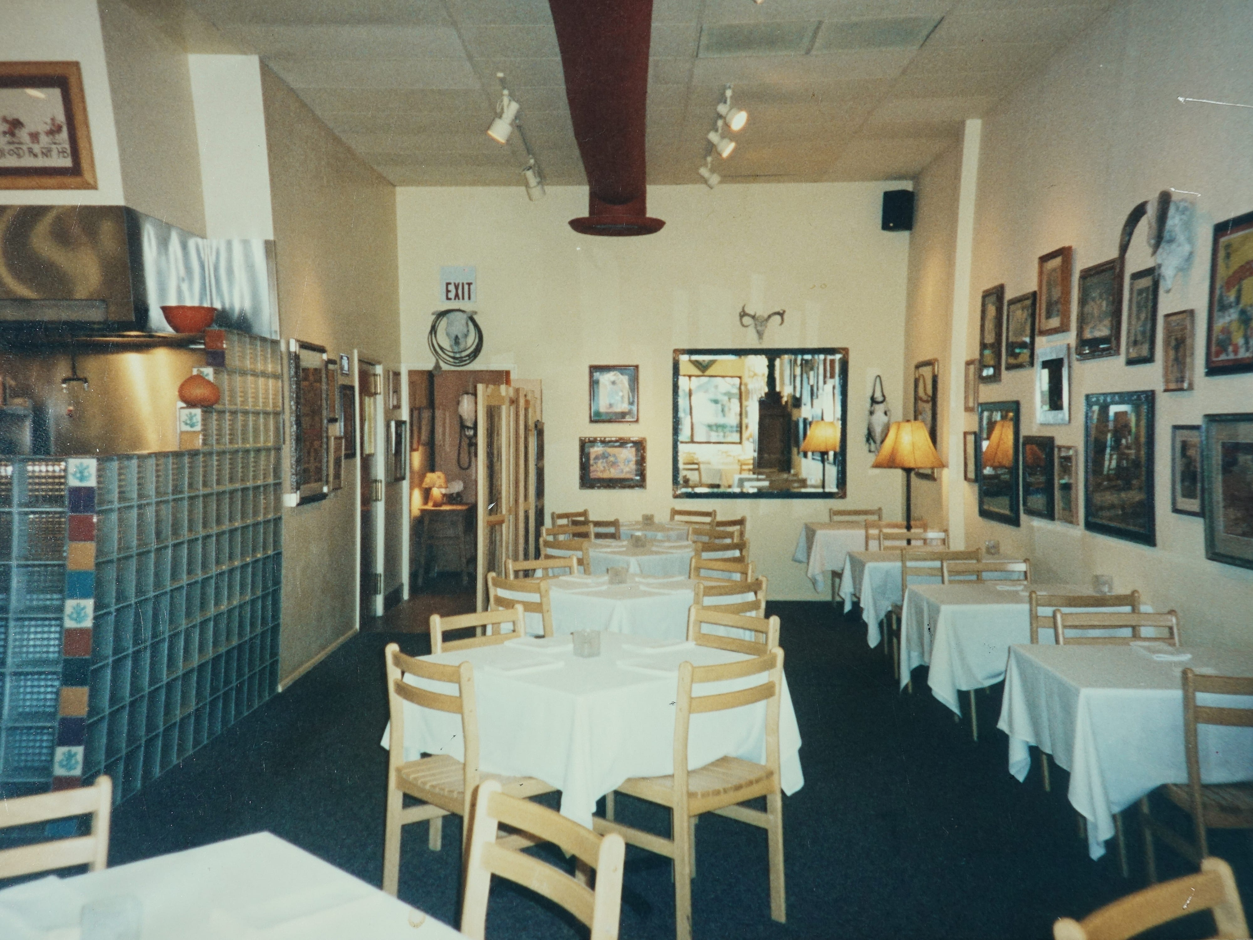The interior of the Scottsdale location of Rancho Pinot before the 1998 expansion.