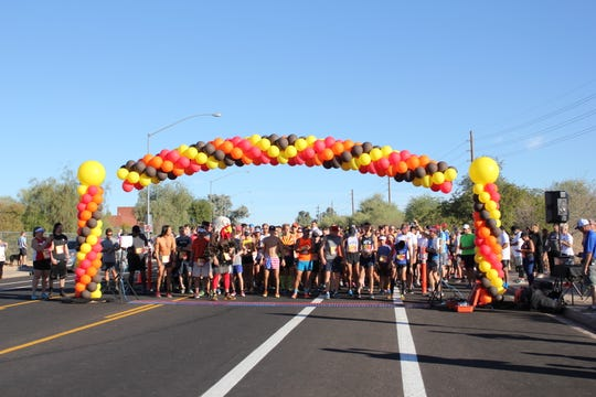 The starting line at the Mesa Turkey Trot.
