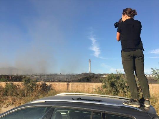 Zoe Meyers de The Desert Sun captura imágenes de la fábrica de acero Grupo Simec en Mexicali.