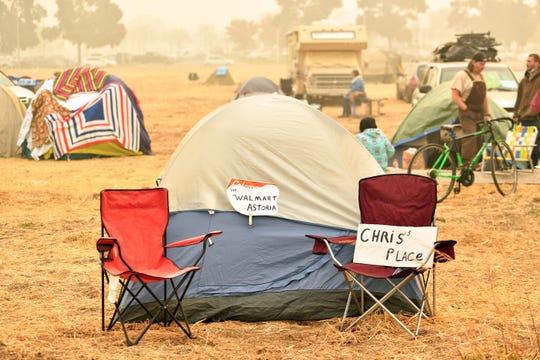 Campamento de personas que se quedaron sin hogar tras los incendios.