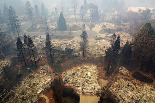 Hecha cenizas quedó la ciudad de Paradise, California, por el incendio Camp Fire.