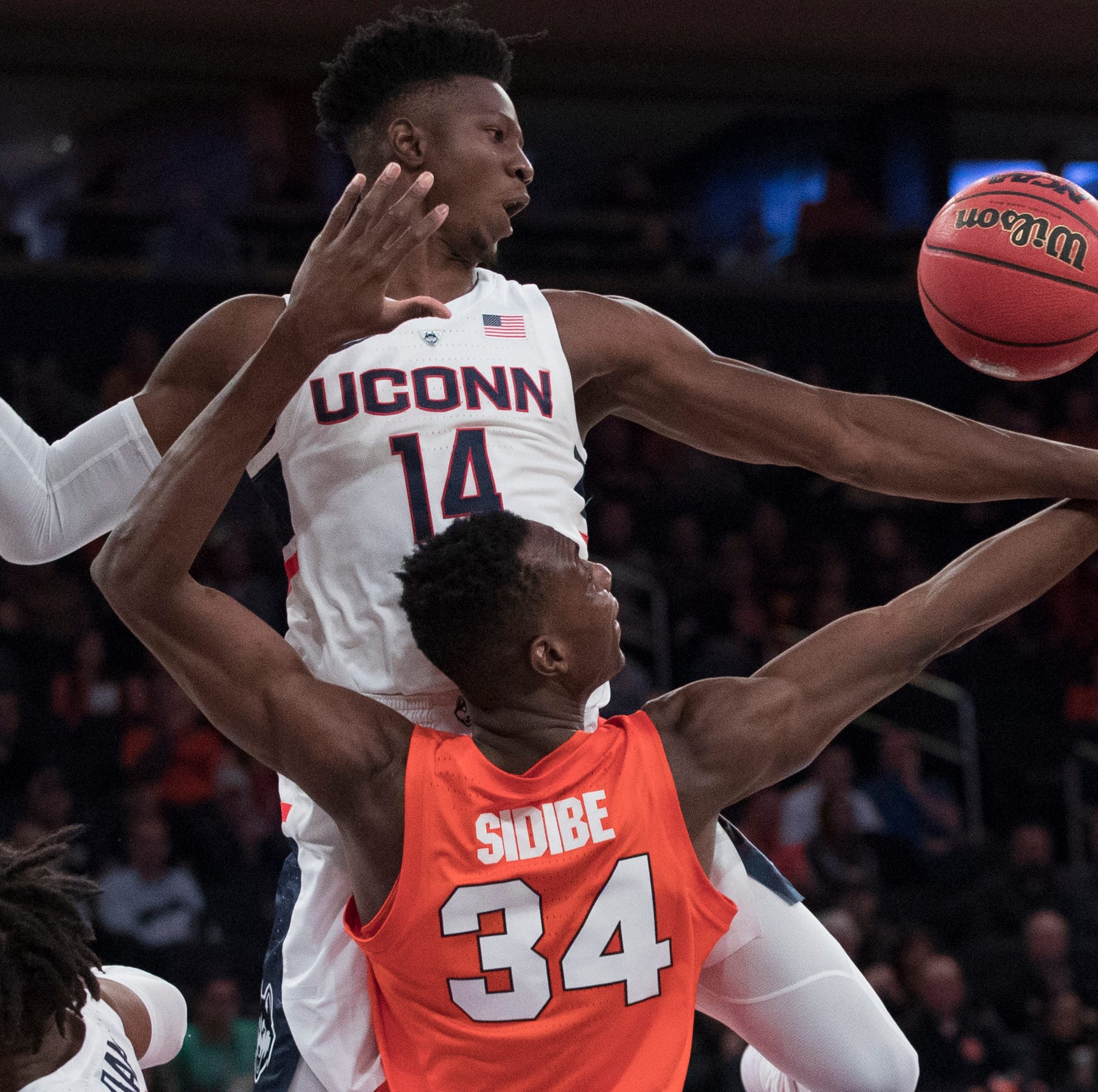 Syracuse falls to old rival UConn in 2K Empire Classic semifinal