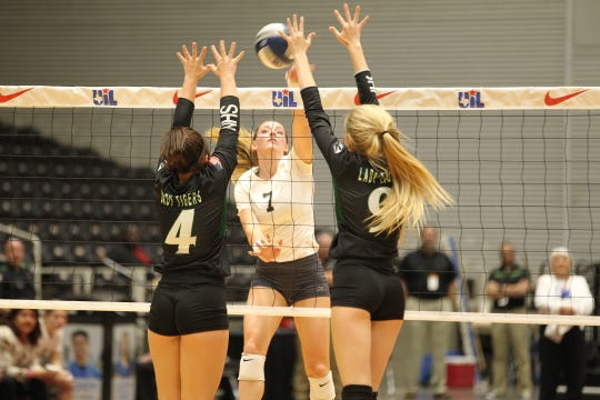 Water Valley High School's Kenzie Jordan (7) had a team-high 13 kills in the Lady Wildcats' loss against Neches in the UIL Class 1A state championship volleyball match at the Curtis Culwell Center in Garland on Thursday, Nov. 15, 2018.