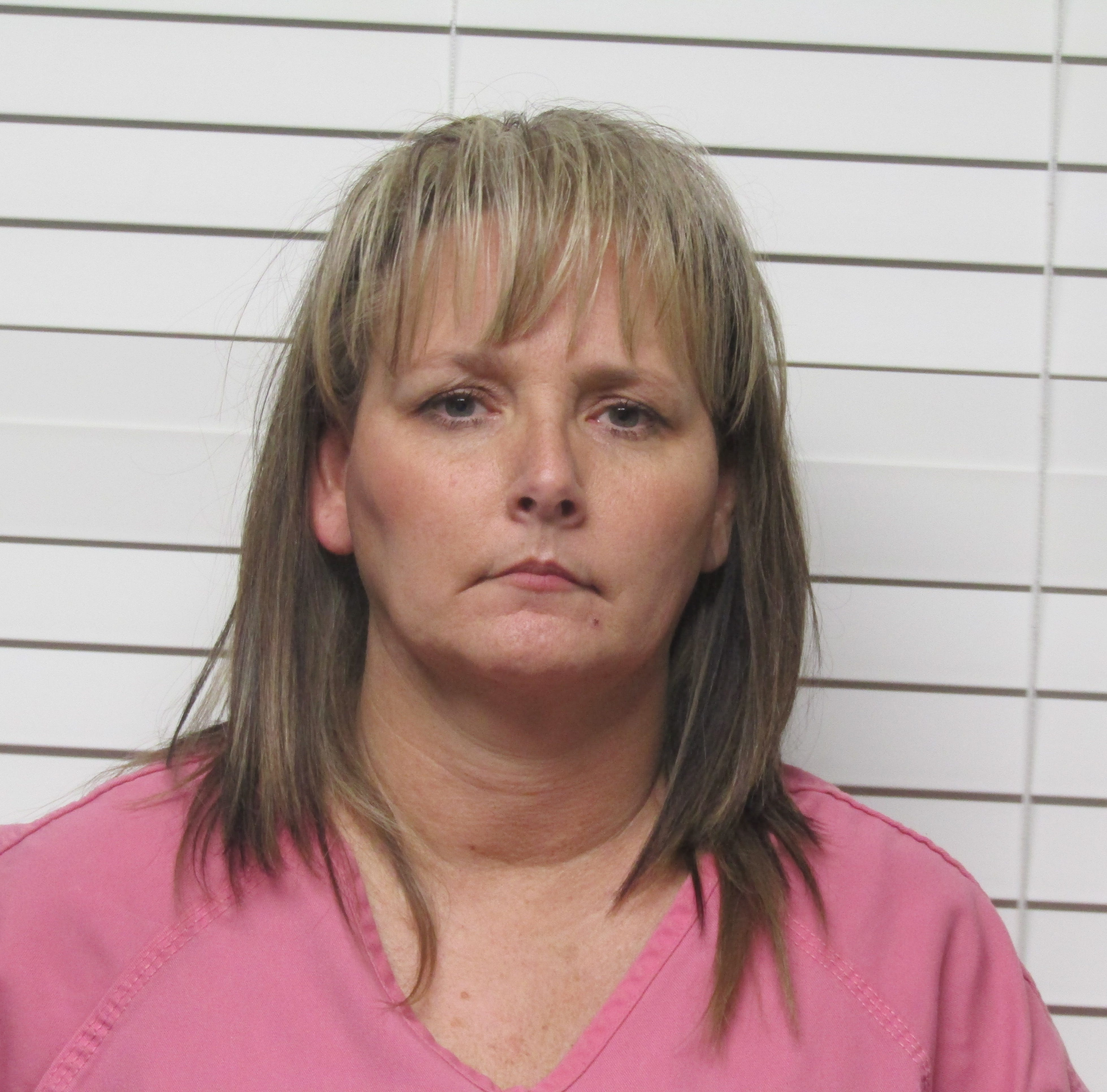 Employee stole almost $30,000 from Ozark business, deputies say