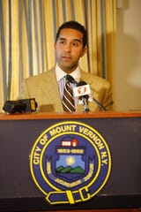 Mount Vernon Mayor Richard Thomas at a press conference at Mount Vernon City Hall Nov. 16, 2018, on the Thursday snowfall that hit the region and the difficulties faced by this department of public works and claims of inadequate equipment or equipment that hasn't been repaired due to non-payment of vendors by the comptroller.
