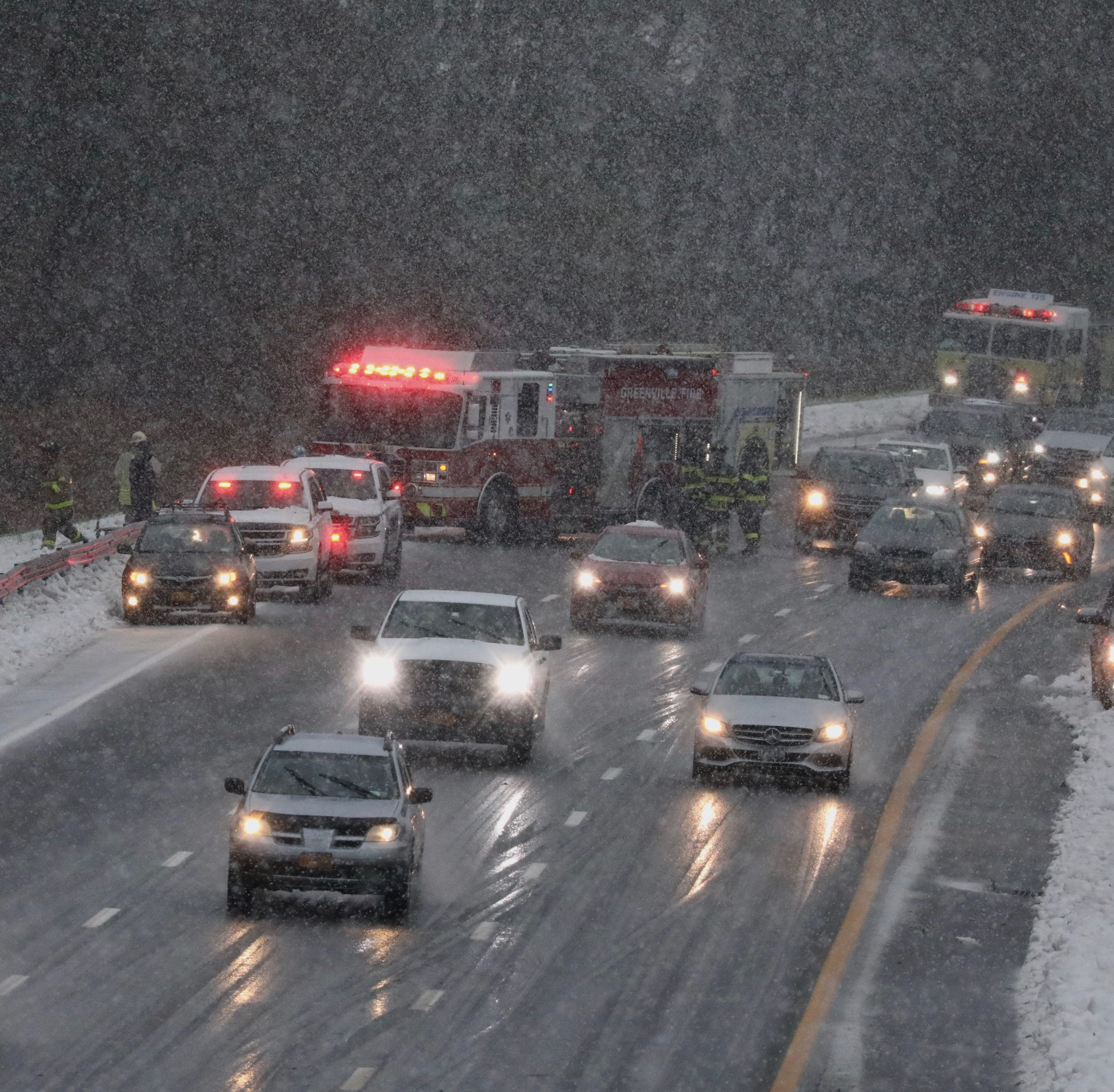 Traffic: Crashes cleared from roads after morning snow