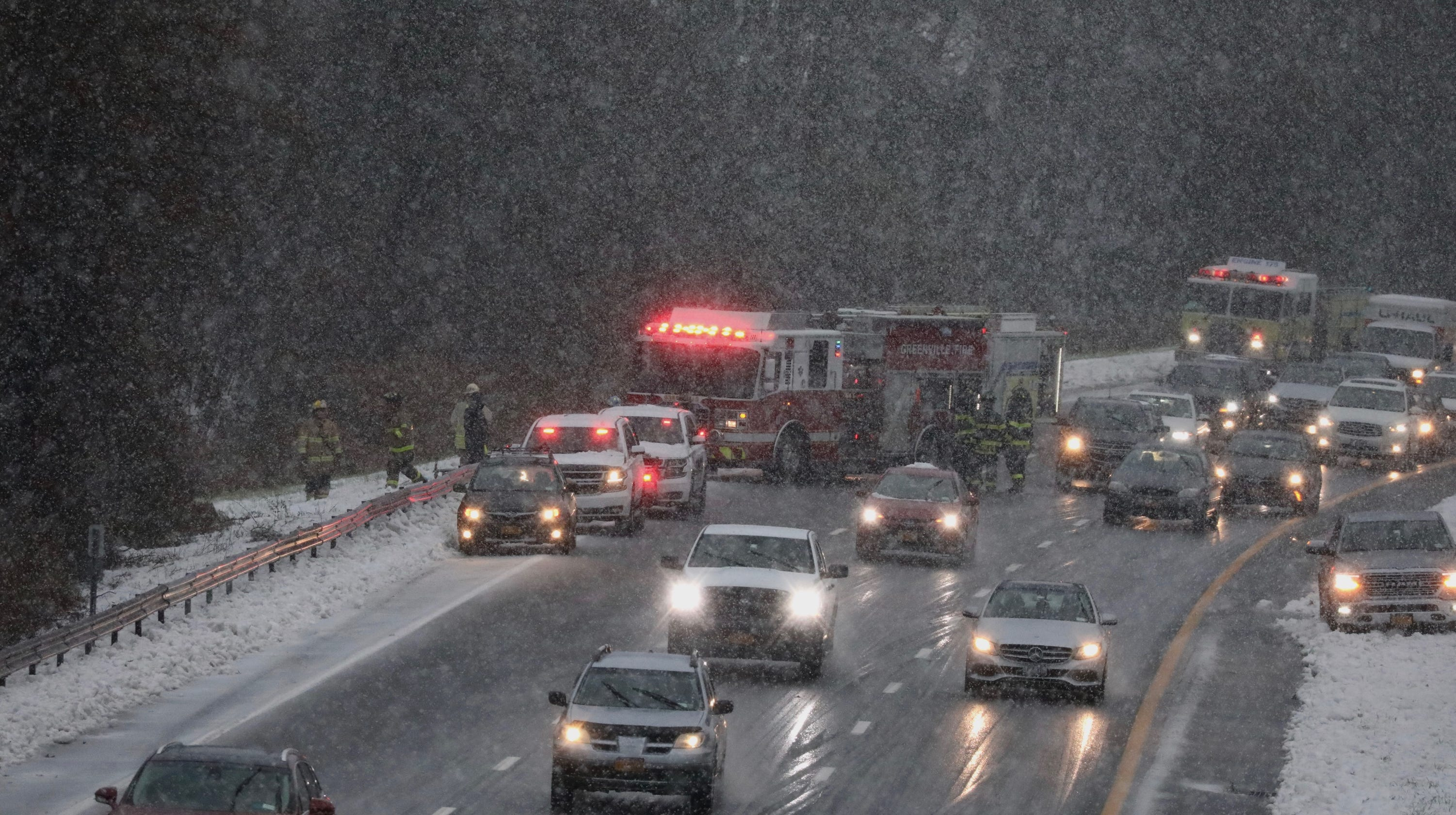 Traffic: Crashes slow I-87, Taconic State Parkway, Saw Mill