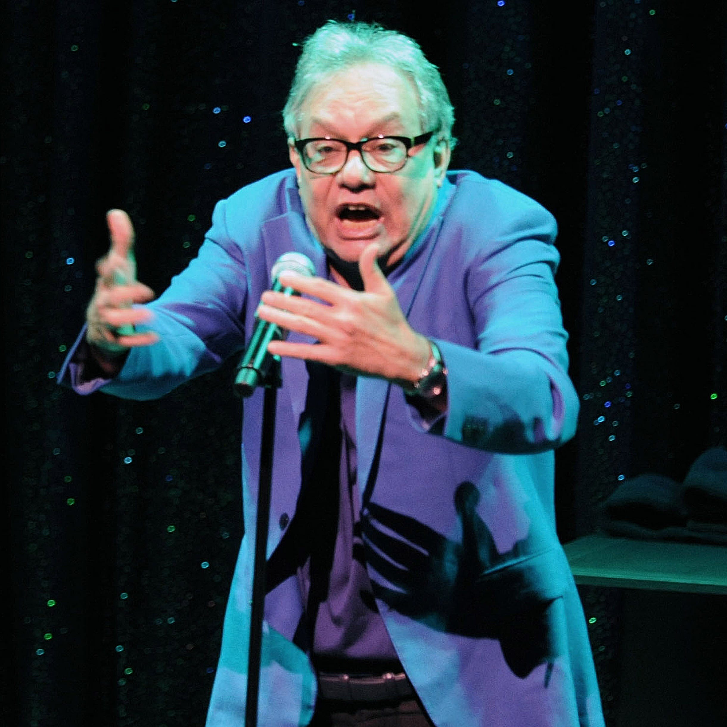 Lewis Black roasts Wilmington, Trump at sold-out Grand show