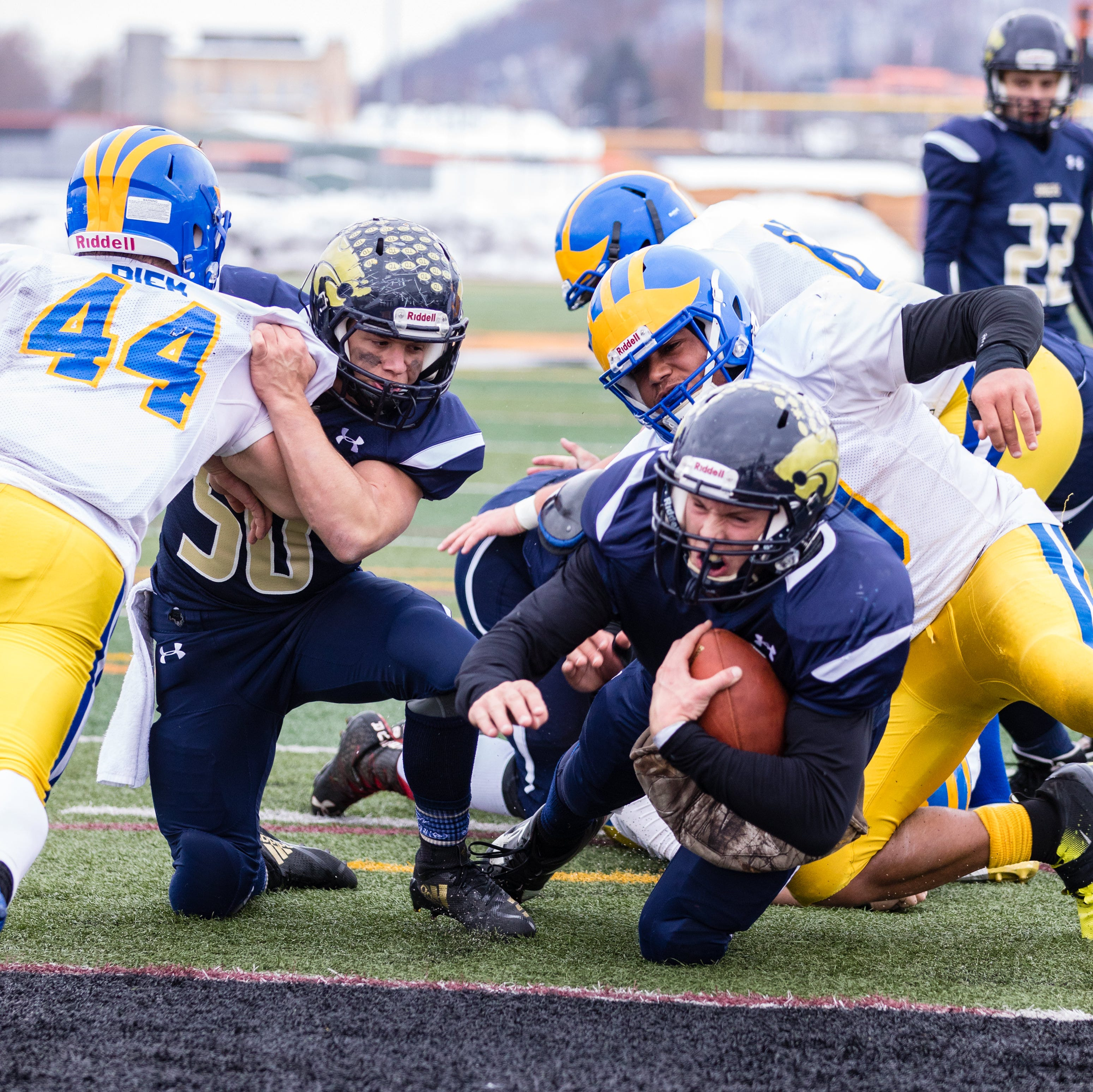 H.S. Football: SV holds off Cleveland Hill in state semifinal