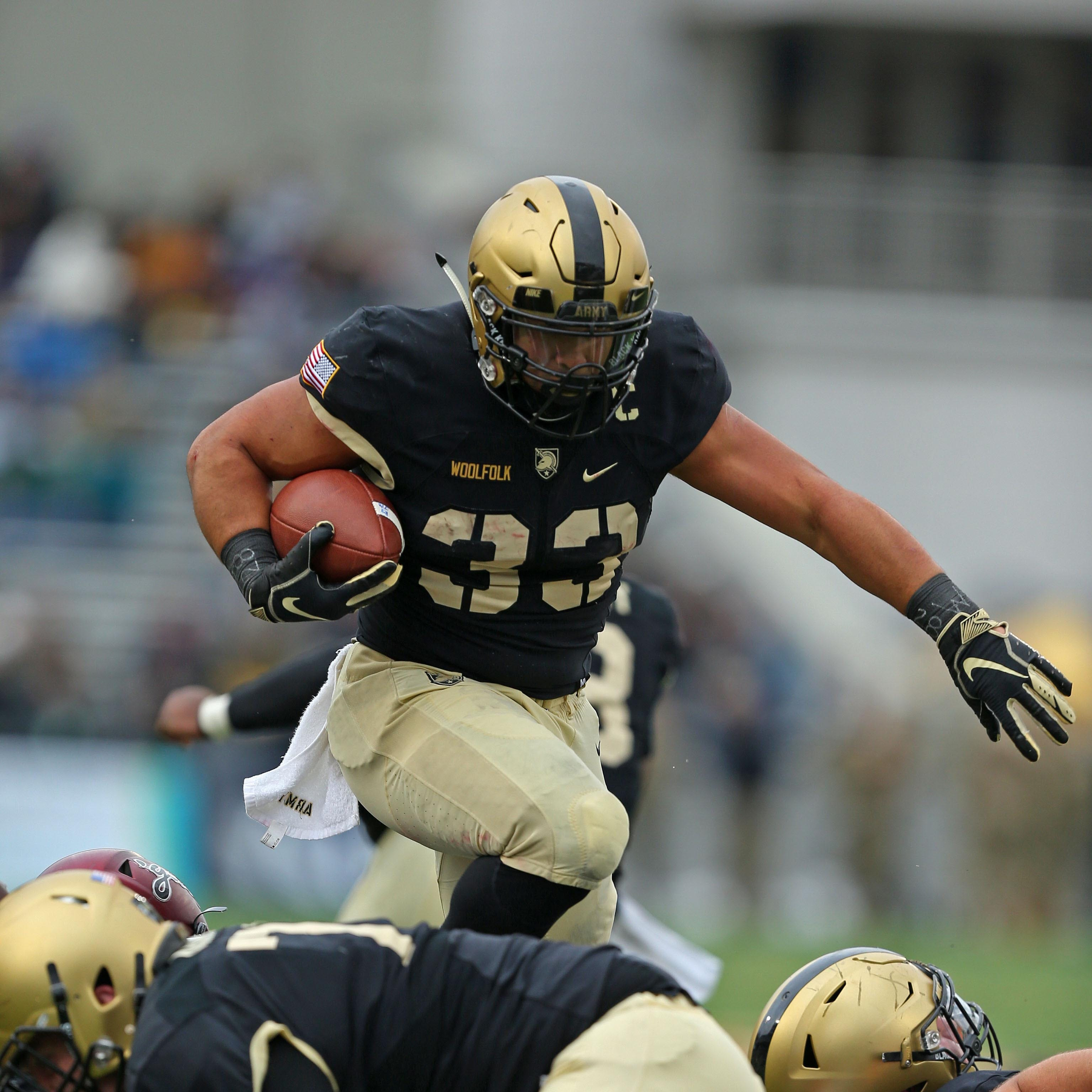Maine-Endwell's Darnell Woolfolk scores 3 times in Army victory