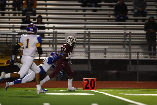 Calallen takes on Pharr Valley View in a  5A Division II bi-district playoff football game .