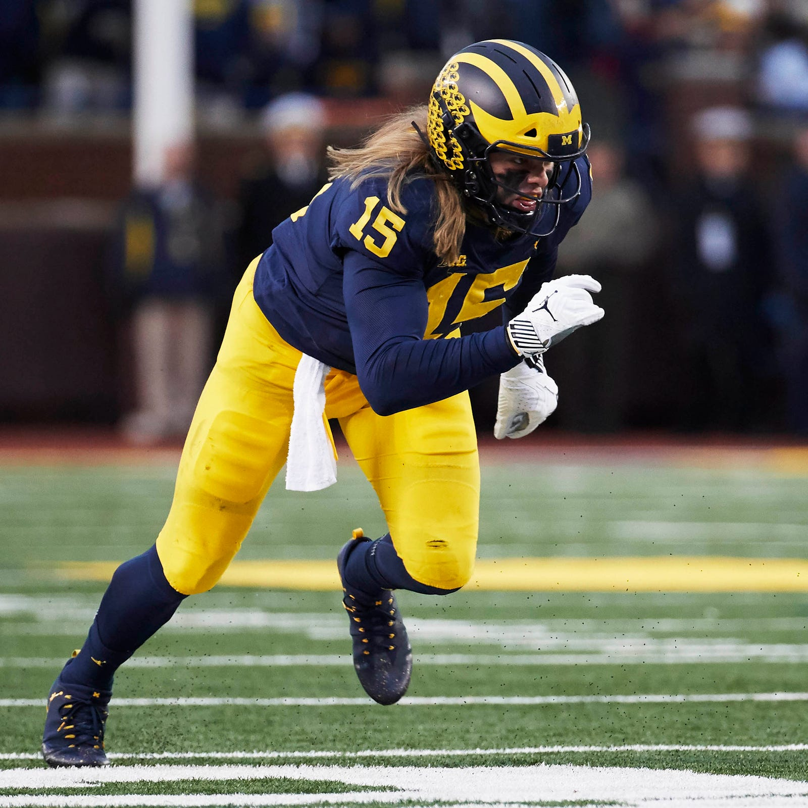 Michigan football star Chase Winovich leaves Indiana game with injury
