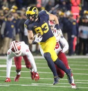 Michigan's Zach Gentry makes a catch against Indiana last season.