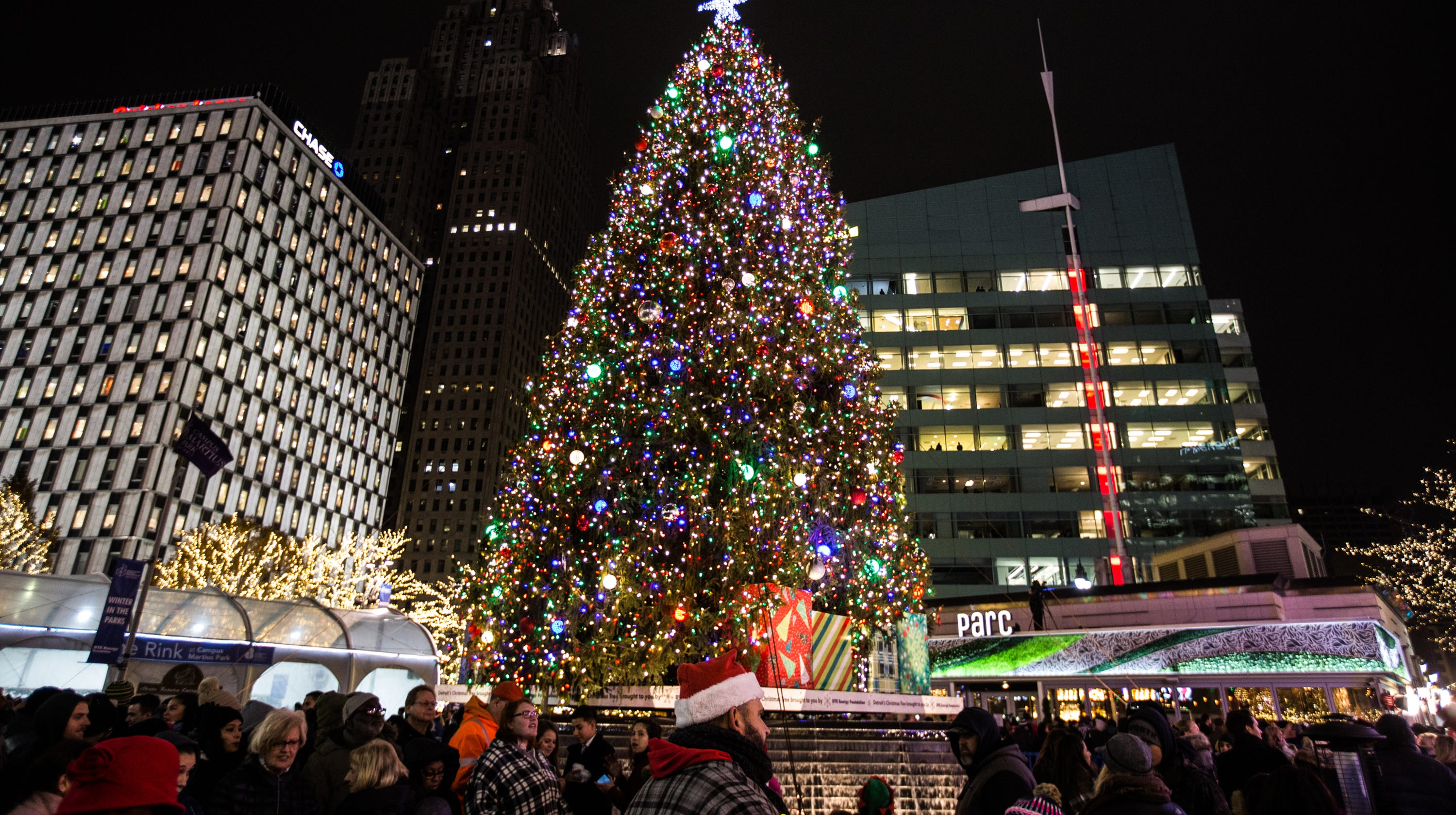 Holiday spirit fills Detroit during annual tree lighting