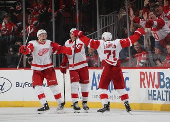 The Red Wings have won 8 of their last 10 games after a 1-7-2 start. Filmed Nov. 17, 2018 in Newark, New Jersey.